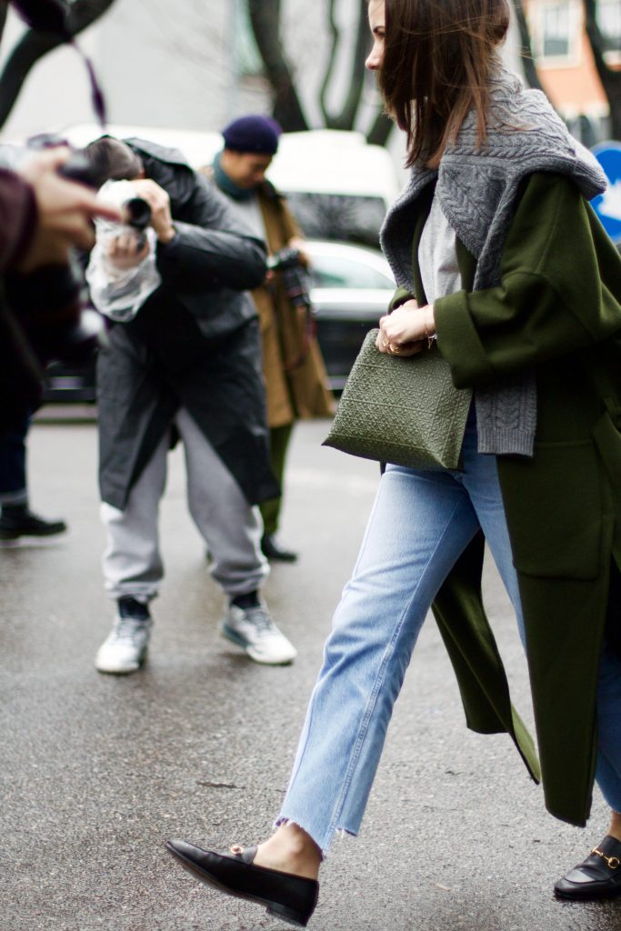 milan_fashion_week_street_style_raw_hem_jeans_natalia_goldenberg
