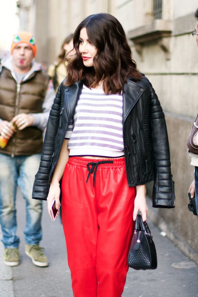milan_fashion_week_street_style_red_12